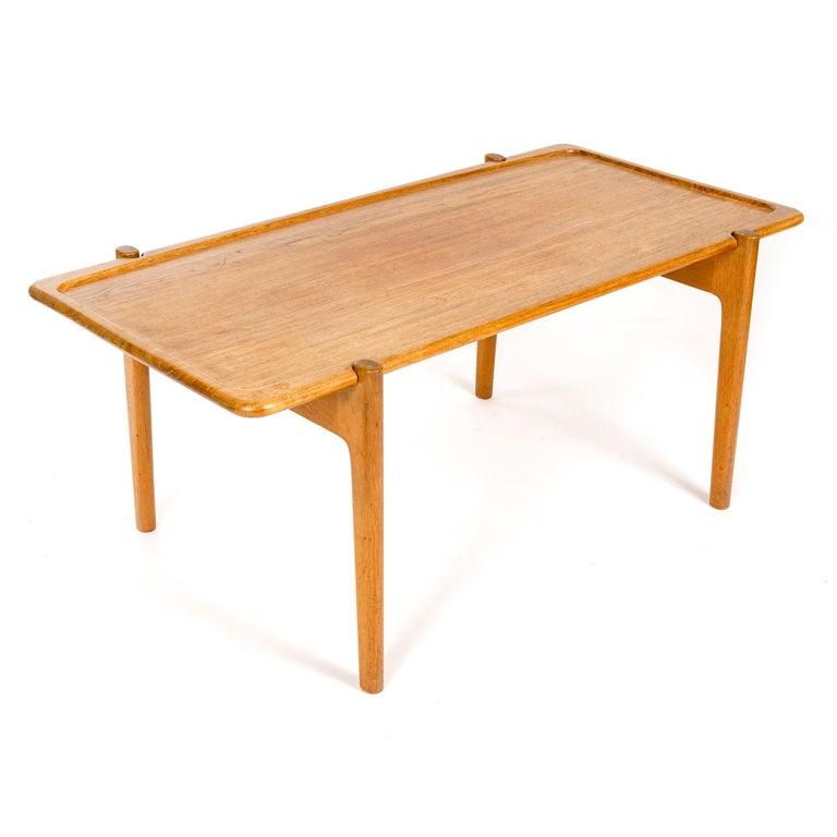 1950s Danish Reversible Table by Hans J. Wegner for Johannes Hansen In Good Condition For Sale In Sagaponack, NY