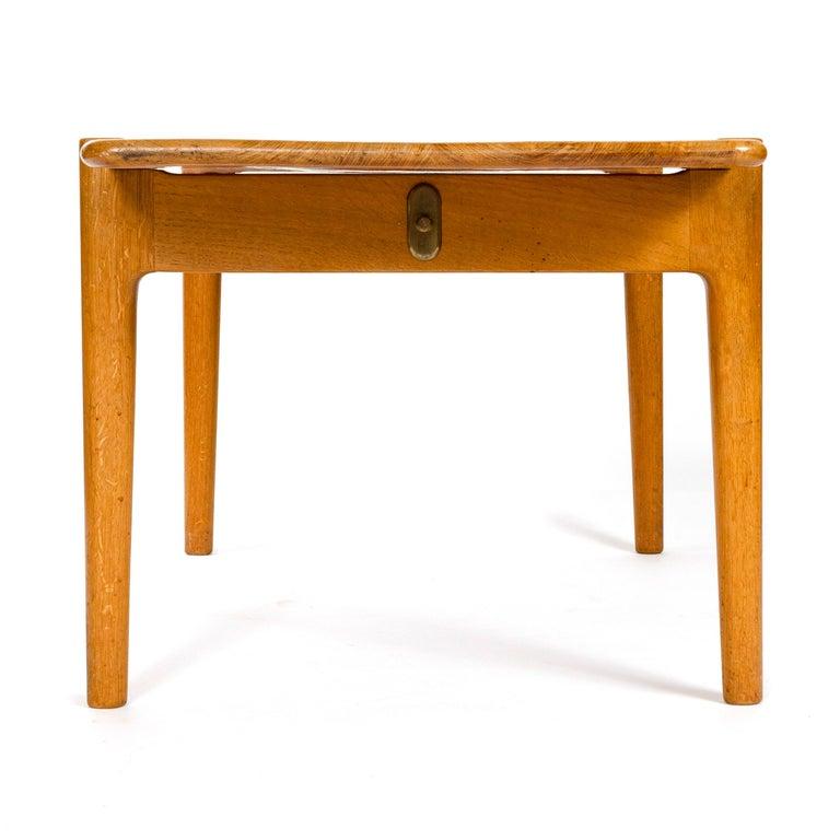 1950s Danish Reversible Table by Hans J. Wegner for Johannes Hansen For Sale 2