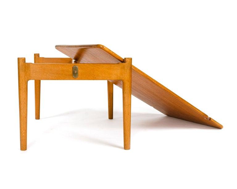 1950s Danish Reversible Table by Hans J. Wegner for Johannes Hansen For Sale 4