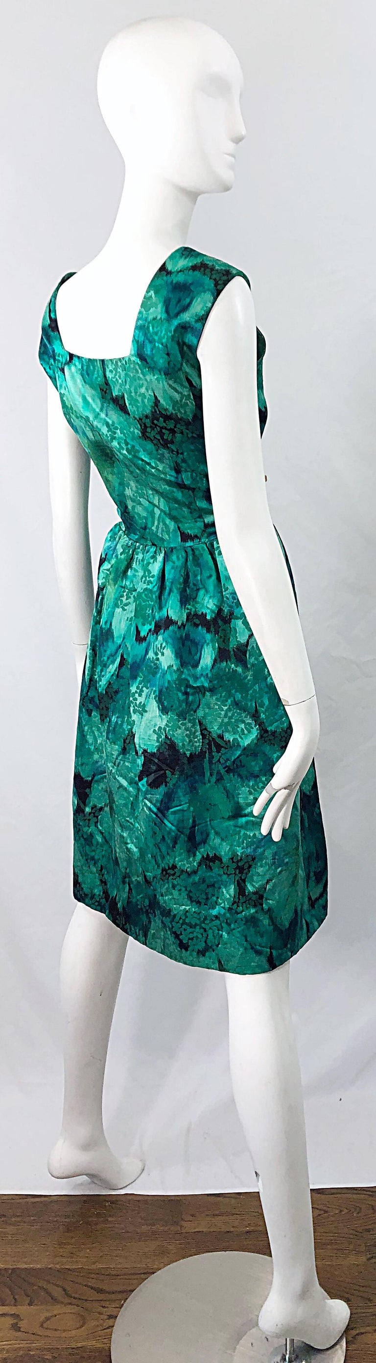 1950s Demi Couture Green Botanical Floral Silk Fit n' Flare Vintage 50s Dress For Sale 3