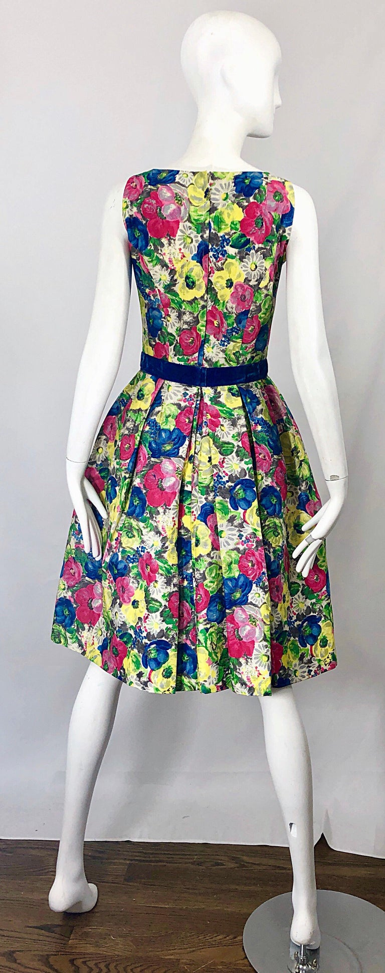 1950s Demi Couture Sequined Watercolor Floral Silk Fit n' Flare Vintage Dress In Excellent Condition For Sale In Chicago, IL