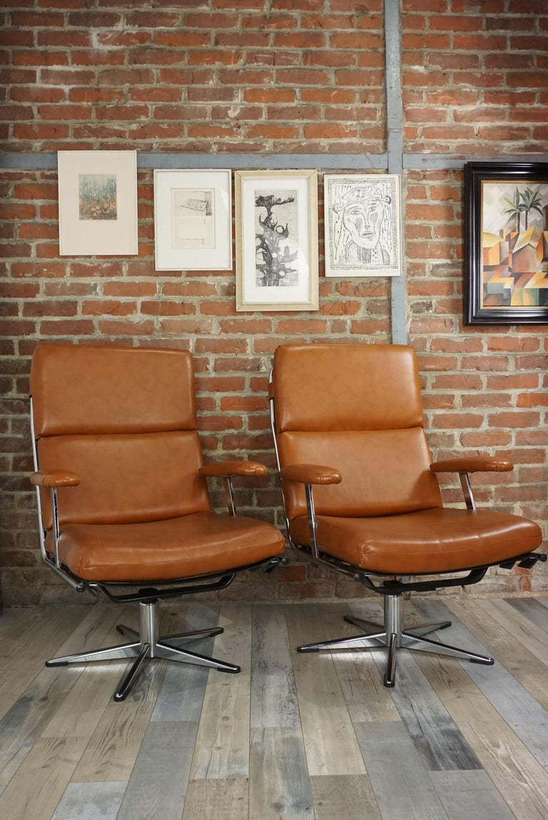 1950s Design Pair of Lounge and Swivel Armchairs For Sale 13