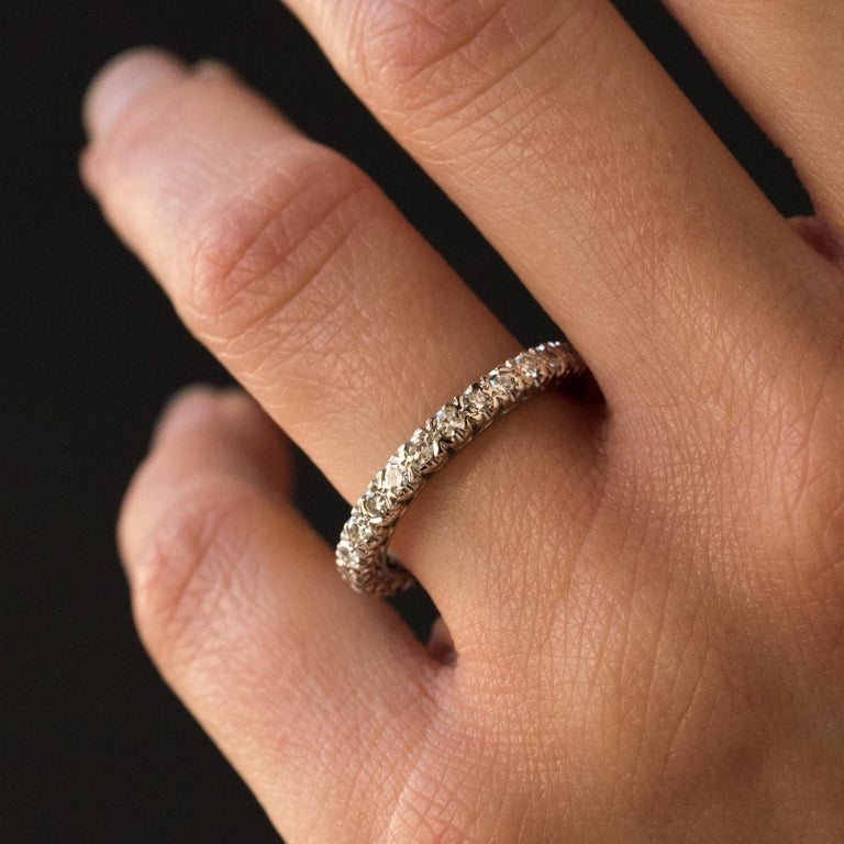 1950s Diamond Platinum Wedding Ring In Good Condition For Sale In Poitiers, FR