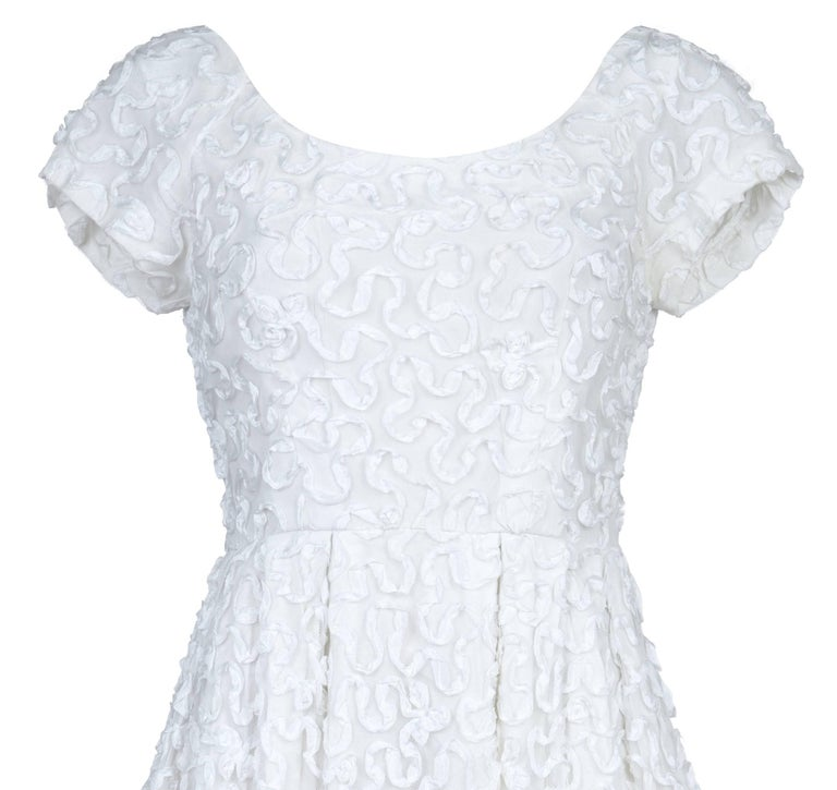 Gray 1950s Diana Warren White Tulle Dress With Ribbon Appliqué For Sale