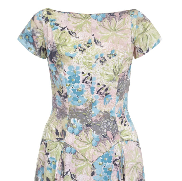 Gray 1950s Du-Rite Floral Cotton Dress With Dropped Waist  For Sale