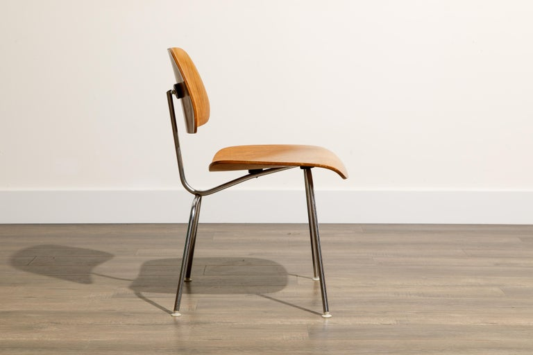 1950s Early Production 'DCM' Chairs by Charles Eames for Herman Miller, Signed  For Sale 6