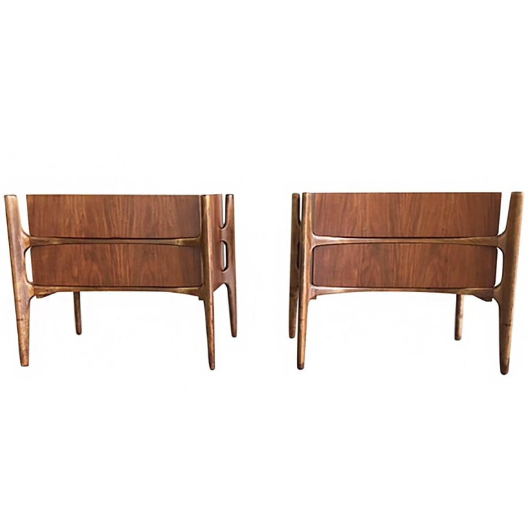 1950s Edmond Spence Curved Walnut and Birch Nightstands for William Hinn, Pair