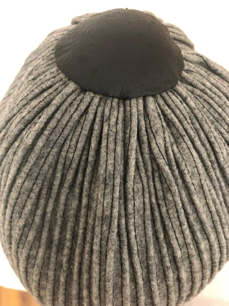 1950s Elsa Schiaparelli Ribbed Wool and Leather Cloche In Excellent Condition For Sale In Port Hope, ON