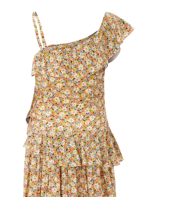 1950s Elysian Floral Cotton Dress With Asymmetrical Neckline and Peplum In Excellent Condition In London, GB