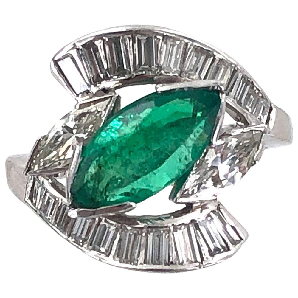 1950s Natural Emerald Diamond Platinum Vintage Estate Ring