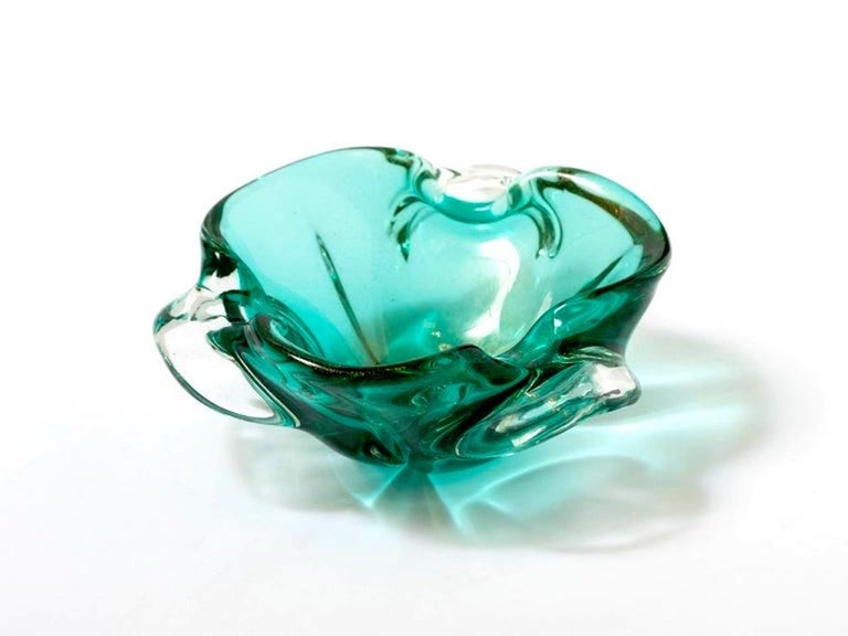 Mid-Century Modern 1950s Emerald Green Murano Glass Organic Bowl by Seguso, Italy For Sale