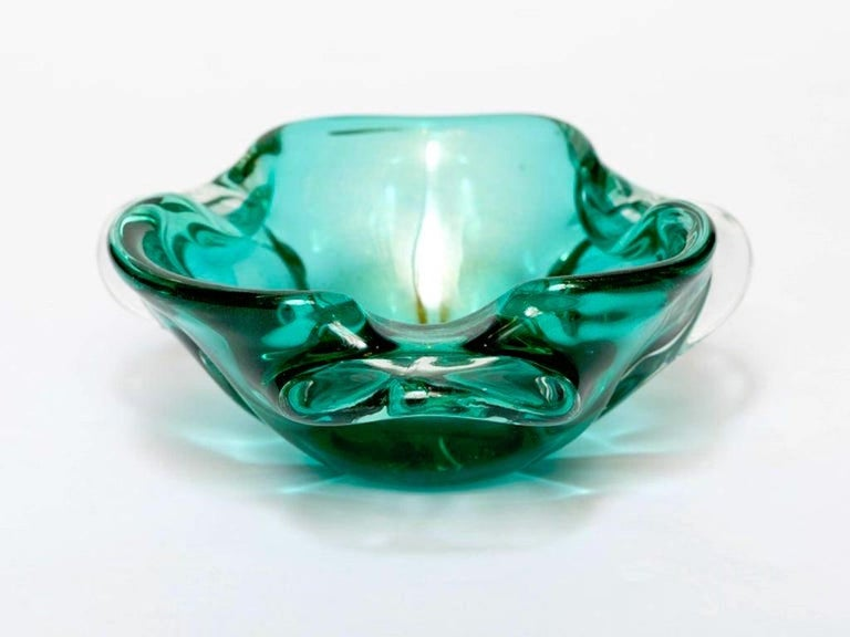 Italian 1950s Emerald Green Murano Glass Organic Bowl by Seguso, Italy