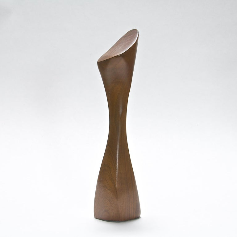 Vintage Emil Milan Garlic crusher sculptural kitchen utensil, rare form, USA, circa 1950s. Vibrant walnut. Signed. Excellent condition. Measures: H 7½ in.
