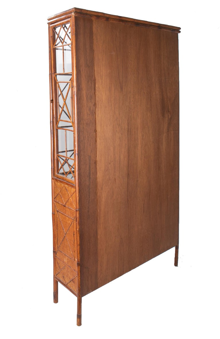1950s English Bamboo and Rattan Glass Cabinet For Sale 2