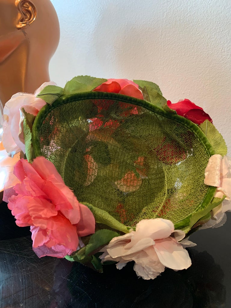 1950s Evelyn Varon Silk Summer Floral Flowerpot Shaped Structured Hat W/ Peonies For Sale 6