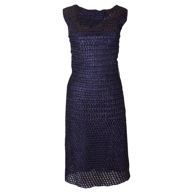 06f5e631e99845 1950er Jahre Extremes Gewebtes Navy Blaues Sanduhr Cocktail Wiggle Kleid 1