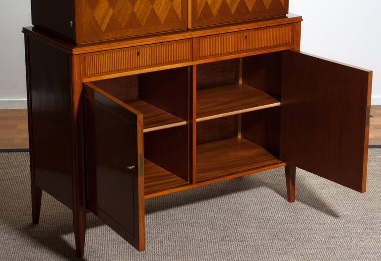 1950s Ferdinand Lundquist Mahogany Buffet Cabinet with Veneer Inlay For Sale 6