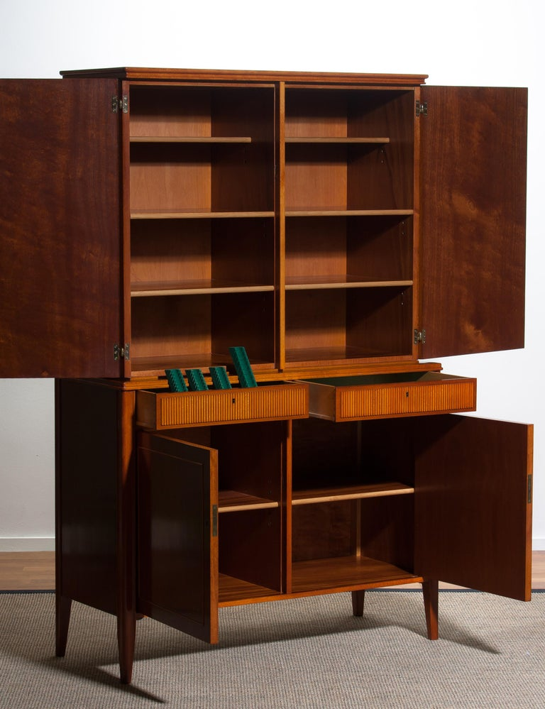 1950s Ferdinand Lundquist Mahogany Buffet Cabinet with Veneer Inlay For Sale 7