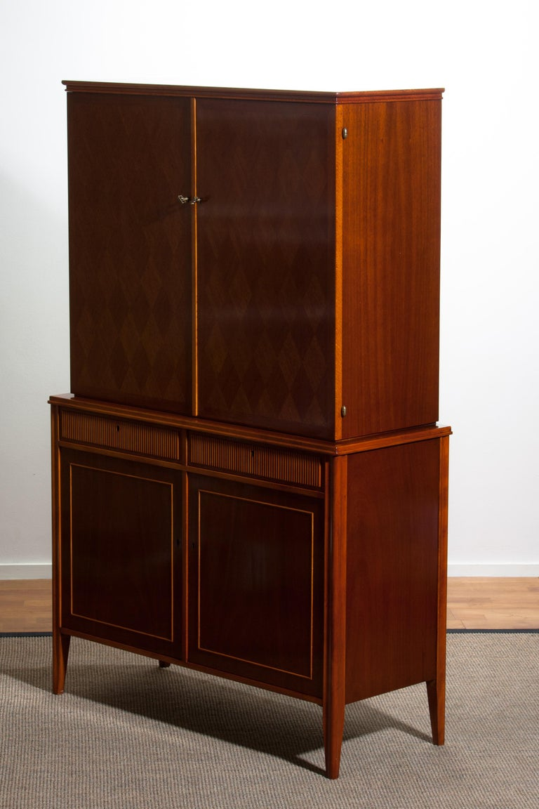 1950s Ferdinand Lundquist Mahogany Buffet Cabinet with Veneer Inlay For Sale 8