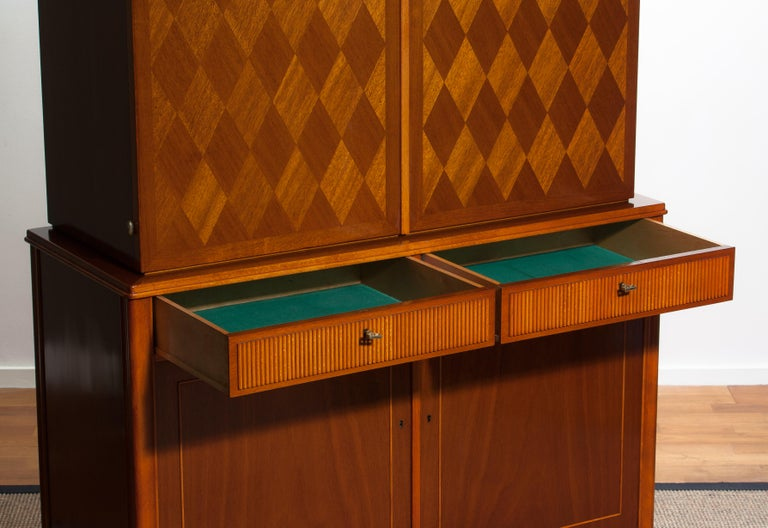 1950s Ferdinand Lundquist Mahogany Buffet Cabinet with Veneer Inlay For Sale 2