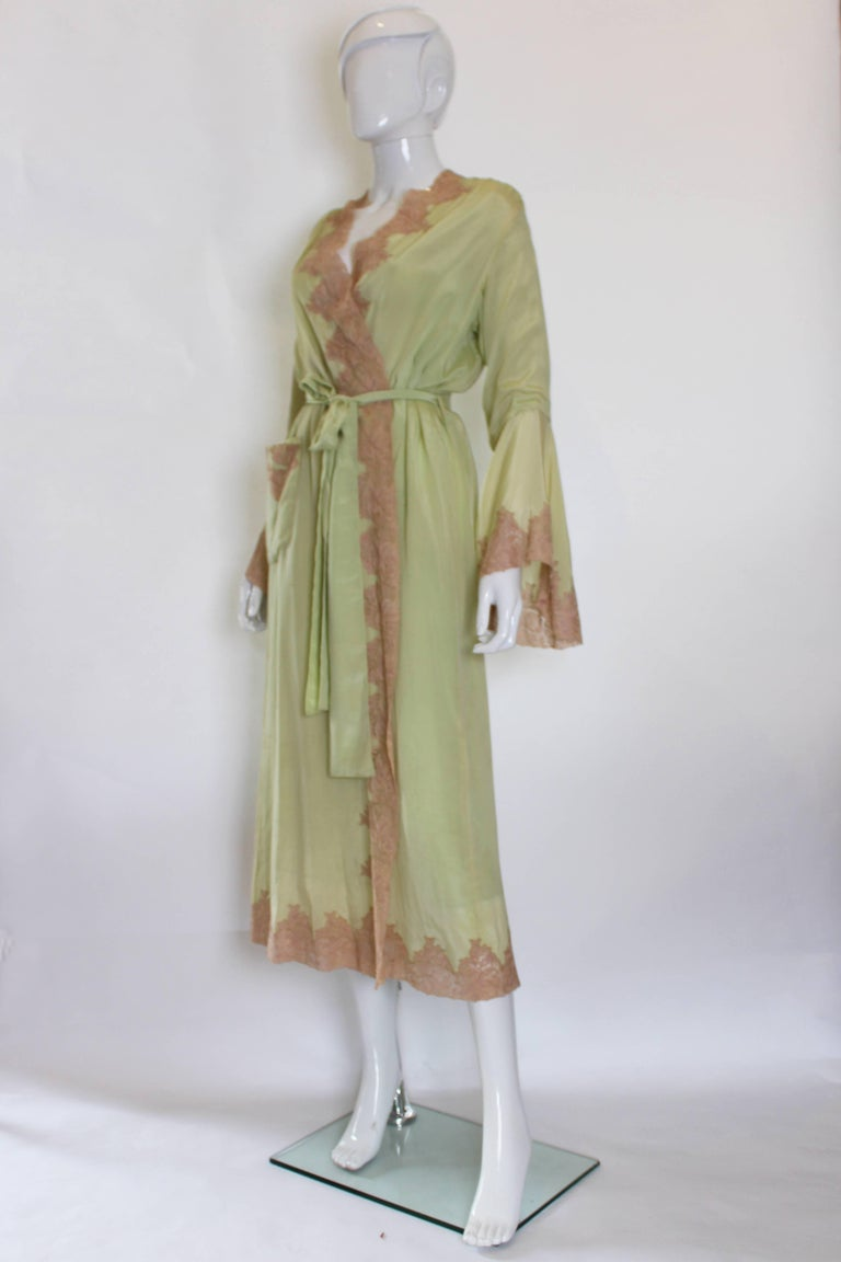 Beige 1950s Fine Silk Dressing Gown For Sale
