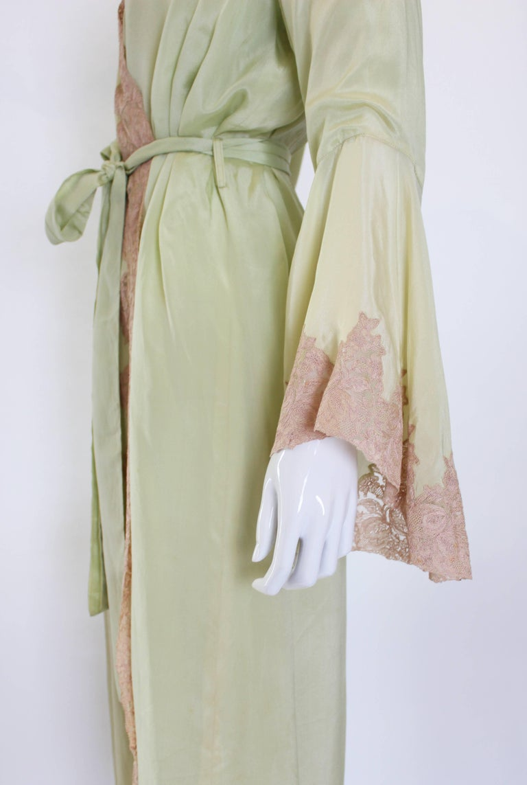 1950s Fine Silk Dressing Gown For Sale 1