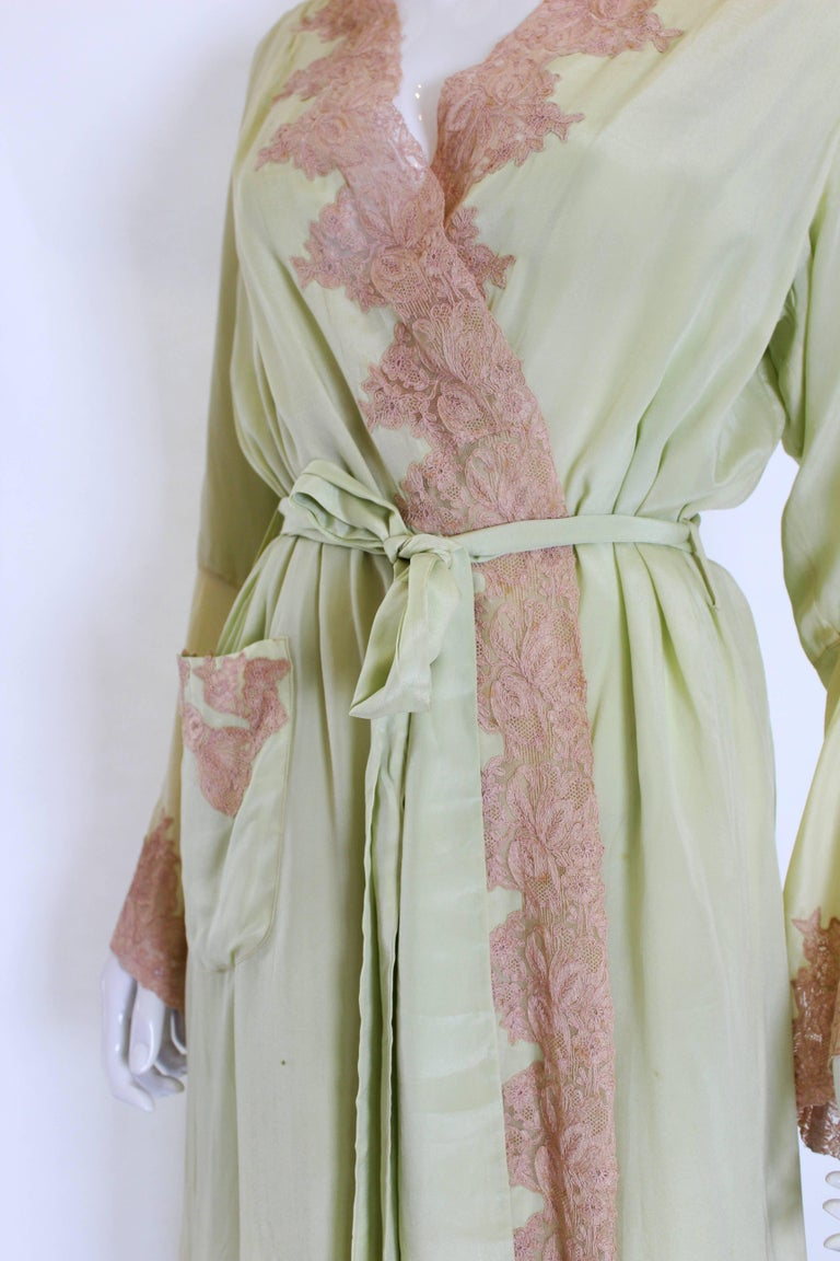 1950s Fine Silk Dressing Gown For Sale 2