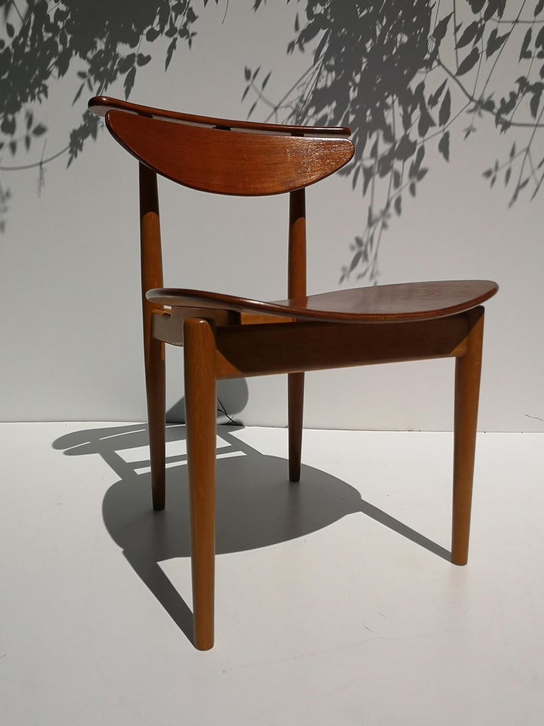 1950s Finn Juhl Reading Chair for Bovirke in Teak and Oak BO62 / BO53 In Good Condition In Victoria, BC