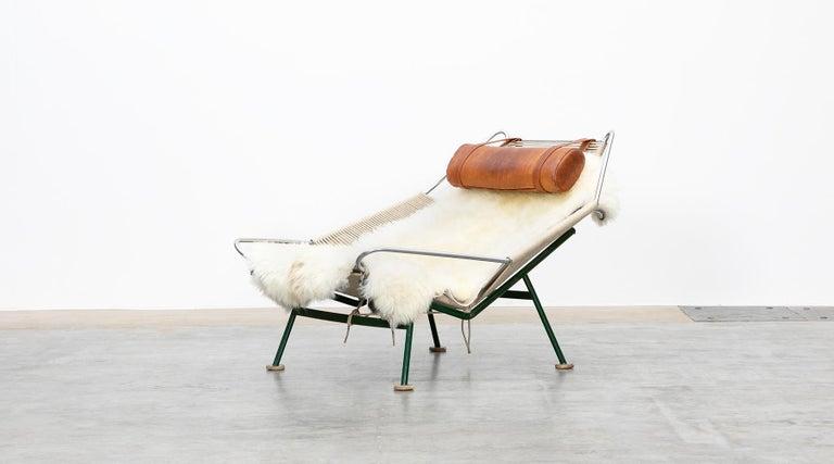 Danish 1950s Flag Halyard Lounge Chair by Hans Wegner 'b' For Sale