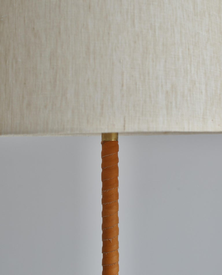 Finnish 1950s Floor Lamp by Lisa Johansson-Pape in Brass and Leather for ORNO, Finland For Sale