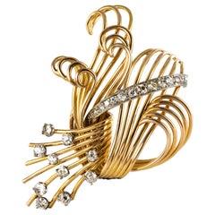 1950s French 1.25 Carat Diamonds Platinum 18 Karat Yellow Gold Retro Brooch