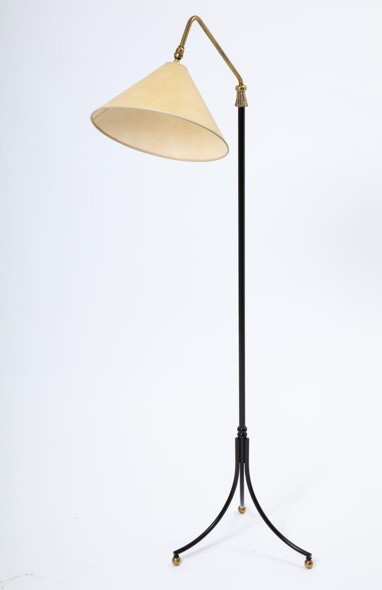 1950s French Arlus Iron and Brass Adjustable Floor Lamp For Sale 1