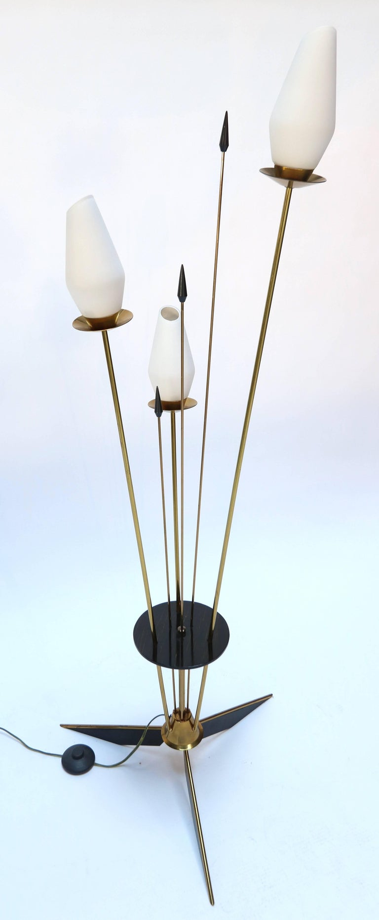 1950s French Brass and Black Metal Floor Lamp For Sale 3