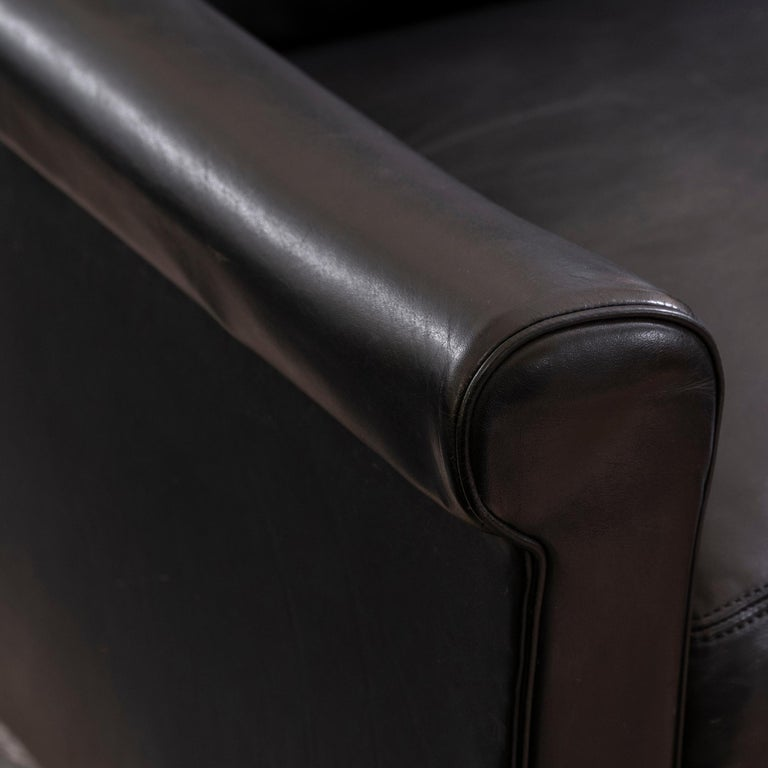 1950s French Mid-Century Modern Pair of Black Leather Armchairs For Sale 6