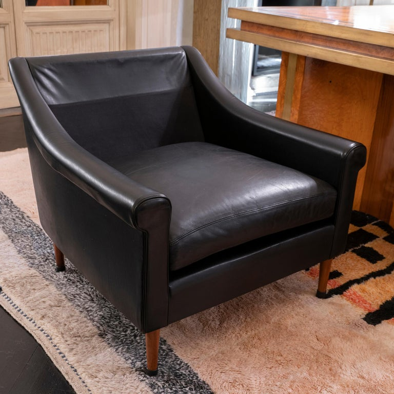 1950s French Mid-Century Modern Pair of Black Leather Armchairs For Sale 7