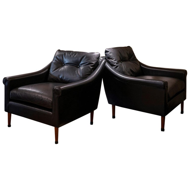 1950s French Mid-Century Modern Pair of Black Leather Armchairs For Sale
