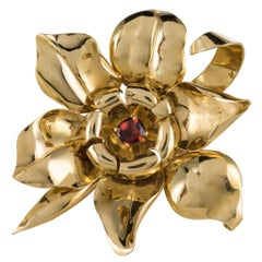 1950s French Orange Garnet Cabochon Gold Flower Brooch