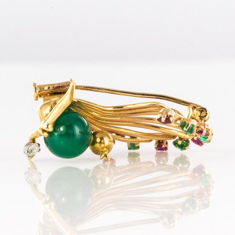 1950s French Ruby Emerald Chrysoprase Diamond 18 Karat Yellow Gold Bird Brooch For Sale 8