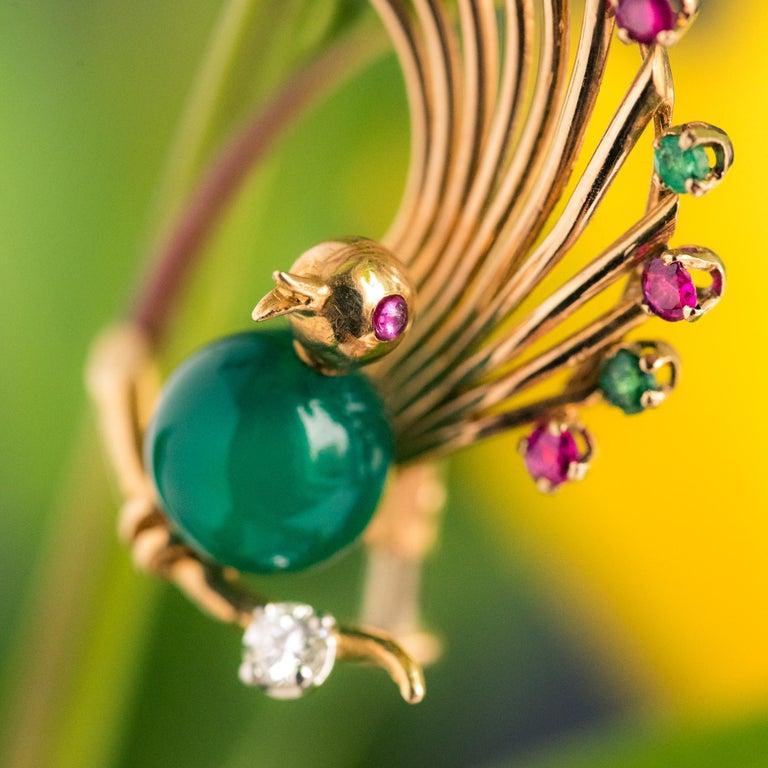 Women's 1950s French Ruby Emerald Chrysoprase Diamond 18 Karat Yellow Gold Bird Brooch For Sale