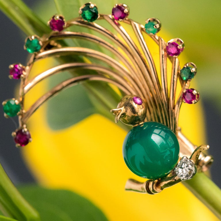 1950s French Ruby Emerald Chrysoprase Diamond 18 Karat Yellow Gold Bird Brooch For Sale 2