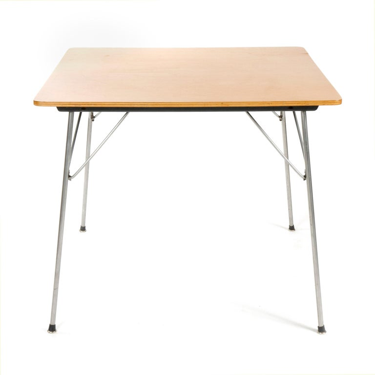 Mid-Century Modern 1950s Gaming Table by Charles Eames for Herman Miller For Sale