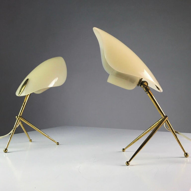 1950s German Brass Table Lamps Stilnovo Style with Perspex Tulip Shaped Shades For Sale 1