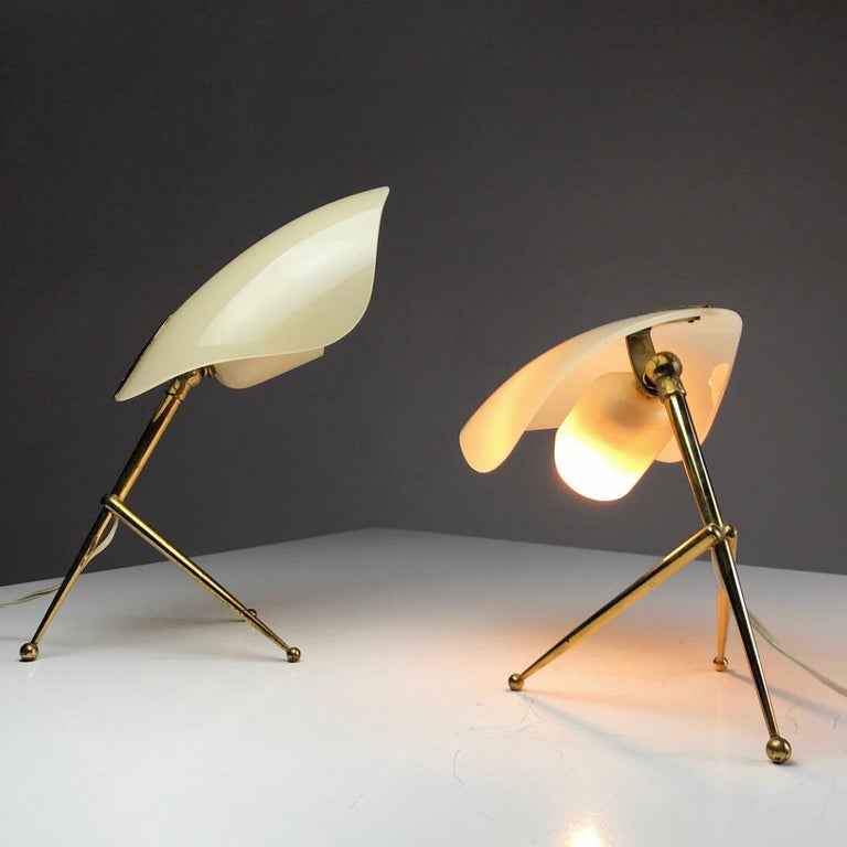 1950s German Brass Table Lamps Stilnovo Style with Perspex Tulip Shaped Shades For Sale 3