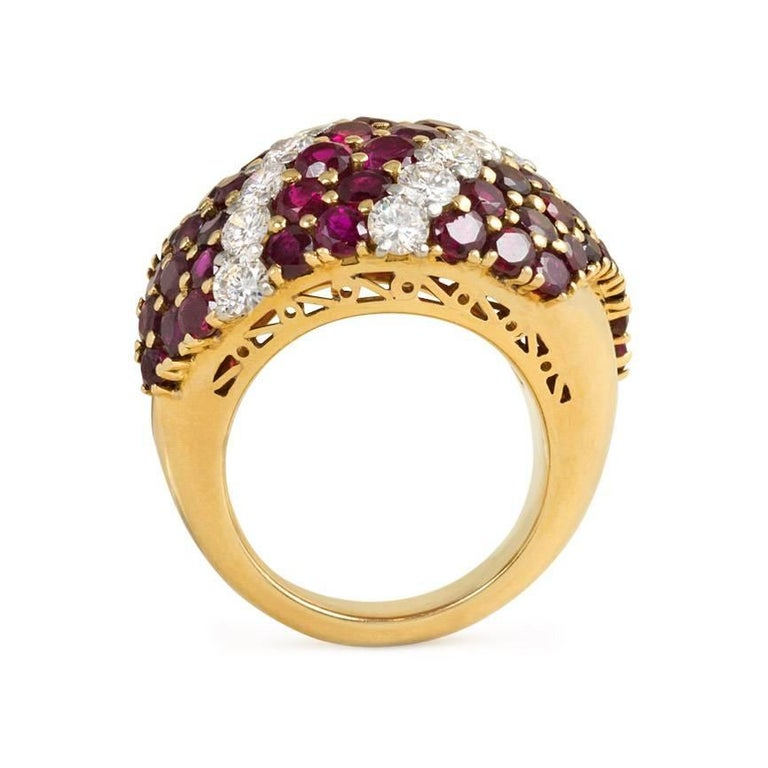 1950s Gold, Ruby and Diamond Bombé Ring In Excellent Condition For Sale In New York, NY
