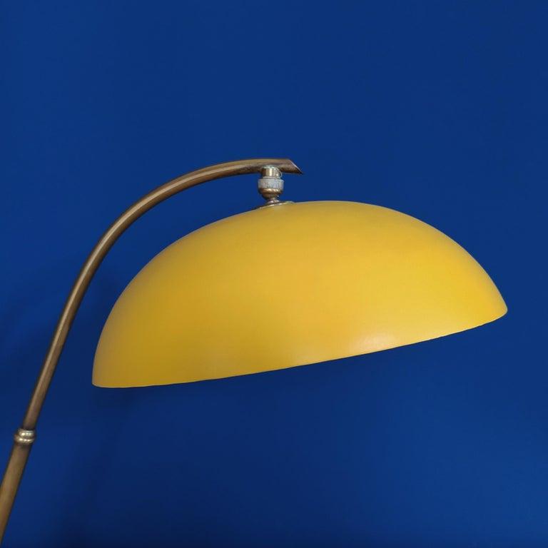 Italian 1950s Gorgeous Table Lamp by Stilnovo For Sale