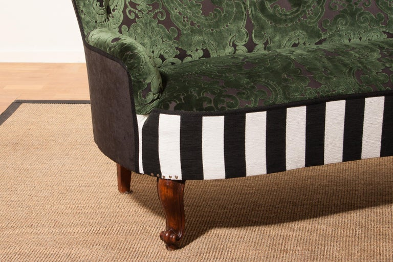 French 1950s Green Jacquard Velvet and Velours Piano Stripe Sofa or Chaise Lounge For Sale