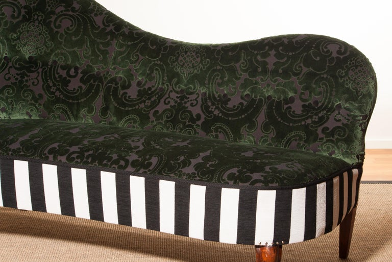 1950s Green Jacquard Velvet and Velours Piano Stripe Sofa or Chaise Lounge For Sale 1