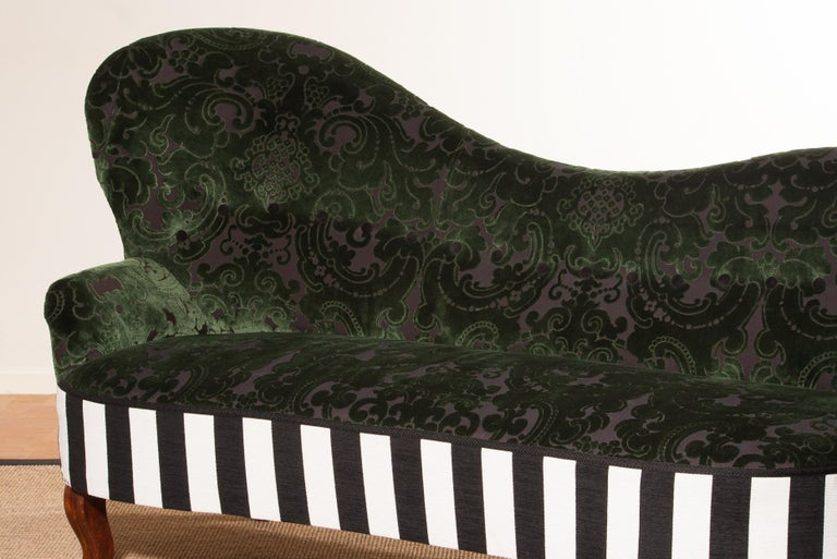 1950s Green Jacquard Velvet and Velours Piano Stripe Sofa or Chaise Lounge For Sale 2