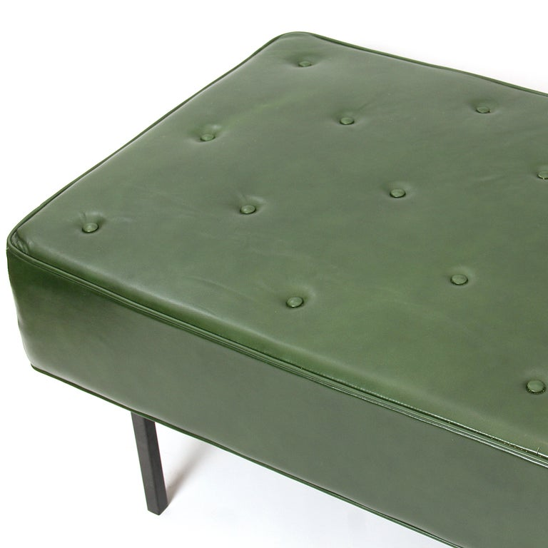 1950s Green Leather Daybed by Florence Knoll In Good Condition For Sale In Sagaponack, NY