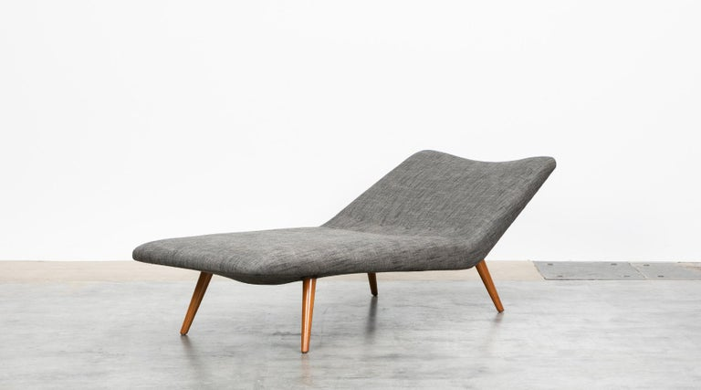 Mid-Century Modern 1950s grey textil and wooden base Daybed by Theo Ruth For Sale